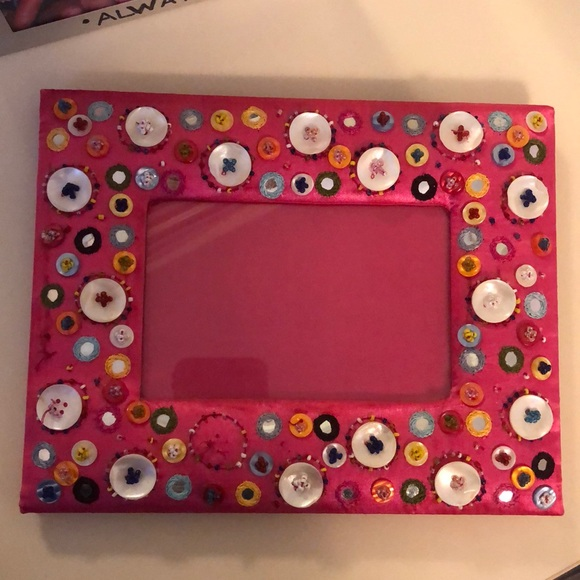 Other - Adorable 4x6 Picture Frame - Missing Button